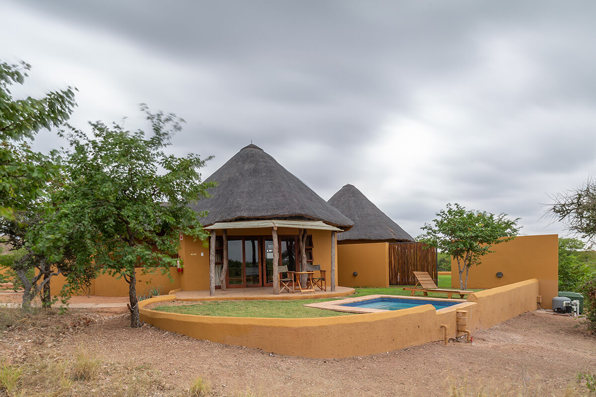 mopane_bush_lodge1_0190318