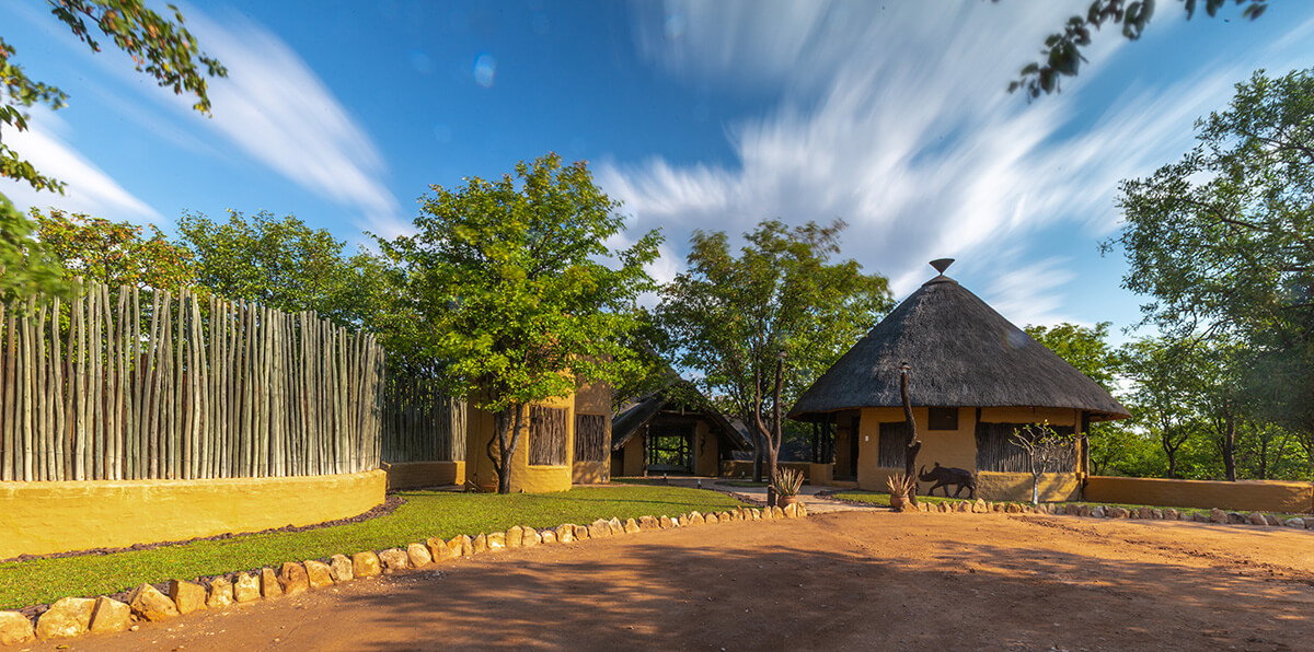 mopane_bush_lodge1_9180318-1